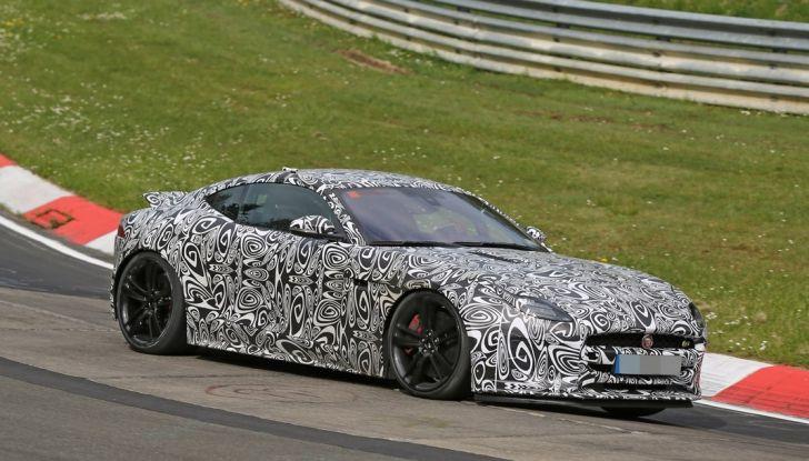 Nuova Jaguar F-Type: le foto spia del Facelift - Foto 2 di 19