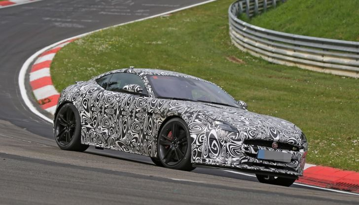 Nuova Jaguar F-Type: le foto spia del Facelift - Foto 7 di 19