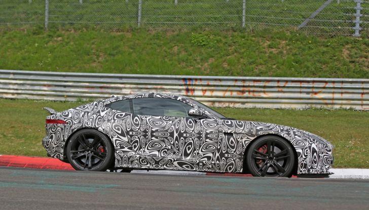 Nuova Jaguar F-Type: le foto spia del Facelift - Foto 8 di 19