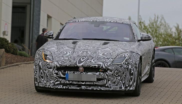 Nuova Jaguar F-Type: le foto spia del Facelift - Foto 12 di 19
