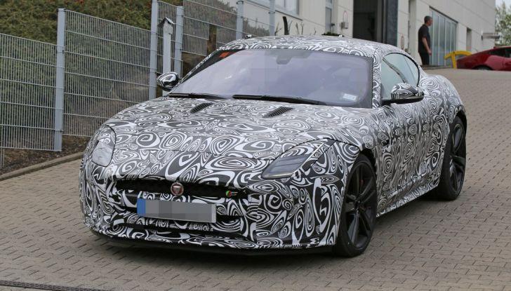 Nuova Jaguar F-Type: le foto spia del Facelift - Foto 13 di 19