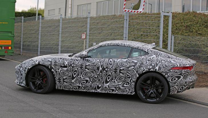 Nuova Jaguar F-Type: le foto spia del Facelift - Foto 16 di 19