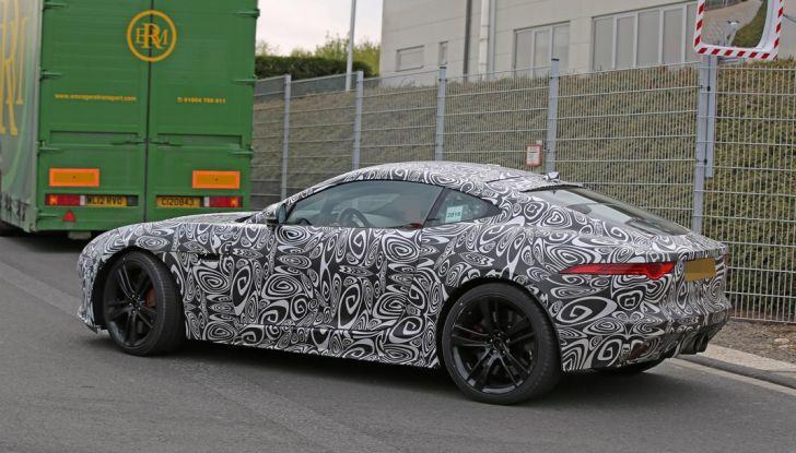 Nuova Jaguar F-Type: le foto spia del Facelift - Foto 17 di 19