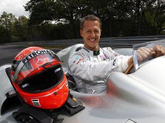 Sconosciuto tenta di vendere foto di Schumacher per 1 milione di euro