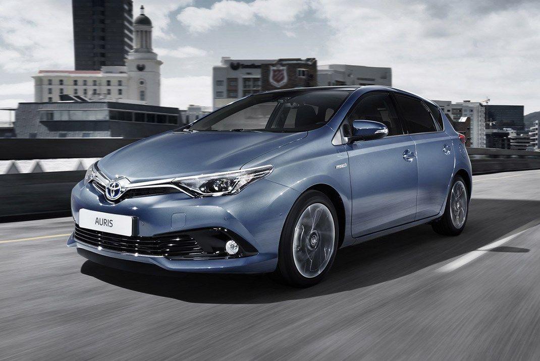Toyota Auris Black Edition, prezzo da 24.300 euro
