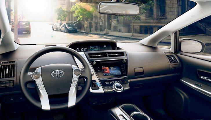 Toyota Prius +: maggiore comfort e tecnologia per il Model Year 2016 - Foto 2 di 14
