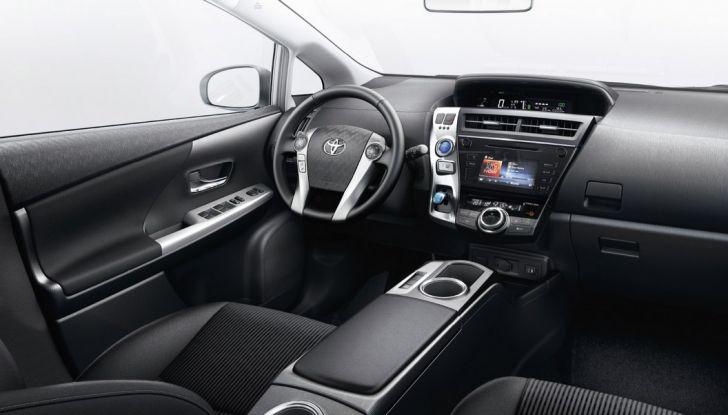 Toyota Prius +: maggiore comfort e tecnologia per il Model Year 2016 - Foto 10 di 14