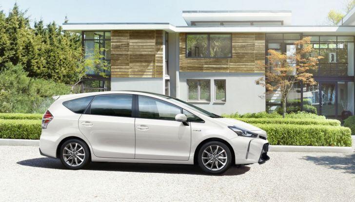 Toyota Prius +: maggiore comfort e tecnologia per il Model Year 2016 - Foto 6 di 14
