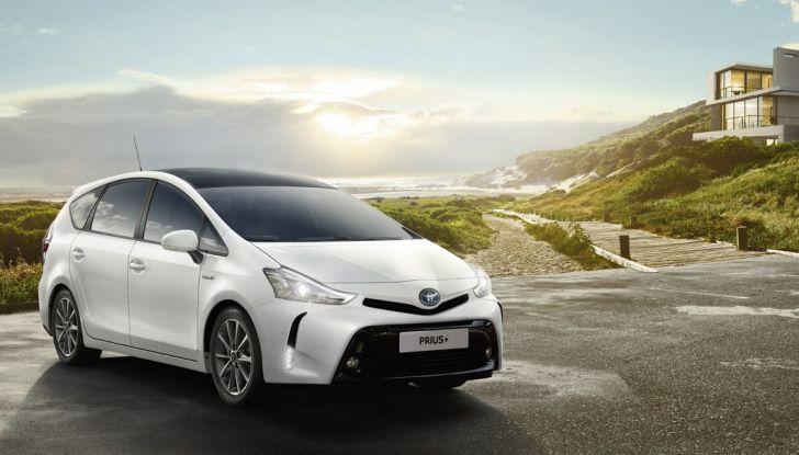 Toyota Prius +: maggiore comfort e tecnologia per il Model Year 2016 - Foto 8 di 14