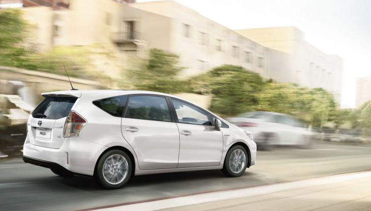 Toyota Prius +: maggiore comfort e tecnologia per il Model Year 2016 - Foto 3 di 14