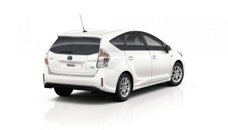 Toyota Prius +: maggiore comfort e tecnologia per il Model Year 2016 - Foto 13 di 14