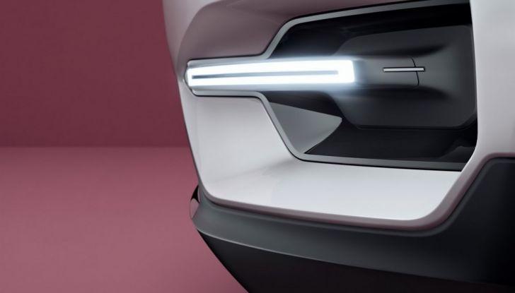 Volvo XC 40: anche la Casa svedese entra nel segmento dei C-SUV - Foto 7 di 12