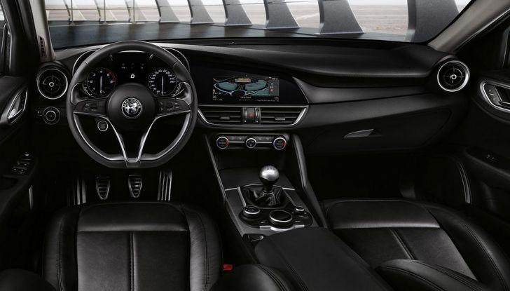 Alfa Romeo Giulia vince tutti i premi ma non vende - Foto 11 di 35