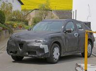 Alfa Romeo Stelvio nuove foto spia dei test su strada