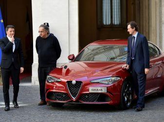 Alfa Romeo Giulia, per Renzi un messaggio di ripartenza dell'Italian Style