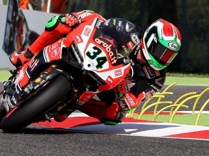 WorldSBK : sul Circuito di Donington Park la giornata è dominata dalle Kawasaki - Foto 3 di 6