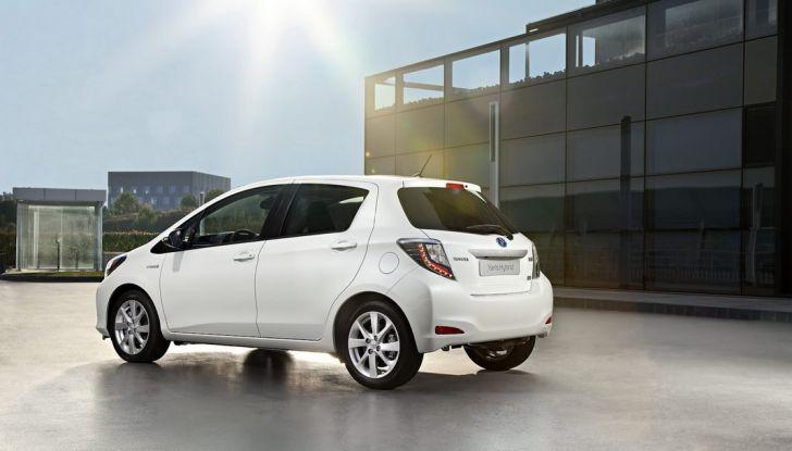 Bollo auto elettriche e ibride: vantaggi ed esenzioni - Foto 2 di 11