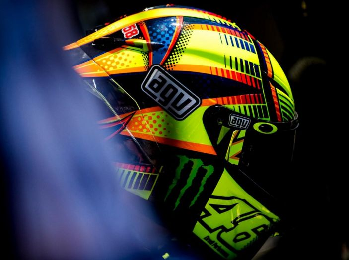 Valentino Rossi, frattura tibia e perone in allenamento: stagione finita - Foto 9 di 14