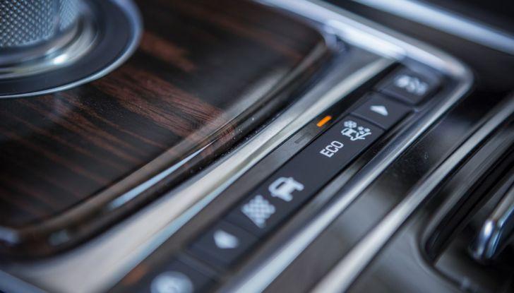 Nuova Jaguar XF 2017: Diesel da 2,0 litri Ingenium da 180 CV con AWD - Foto 6 di 18