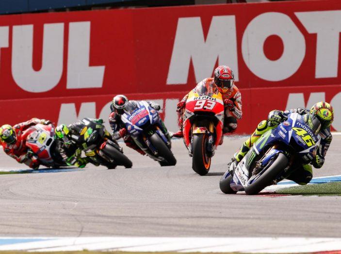 Risultati Assen 2016, MotoGP: FP1 ed FP2 a Iannone, Rossi secondo – Orari TV - Foto 29 di 29
