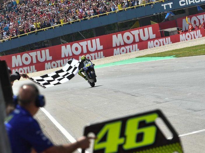Risultati Assen 2016, MotoGP: FP1 ed FP2 a Iannone, Rossi secondo – Orari TV - Foto 24 di 29