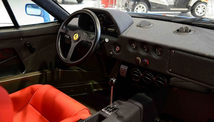 1992 ferrari f40 blue 14 interno