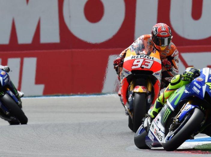Risultati Assen 2016, MotoGP: FP1 ed FP2 a Iannone, Rossi secondo – Orari TV - Foto 6 di 29