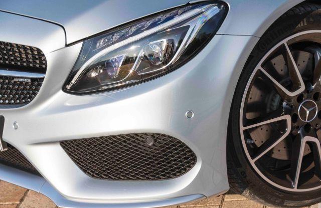 Nuova Mercedes Classe C Cabrio: prova su strada, motori, allestimenti e prezzi - Foto 8 di 11