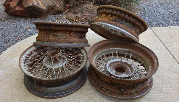 Come pulire i cerchi in lega dell'auto in poche e semplici mosse - Foto 2 di 6