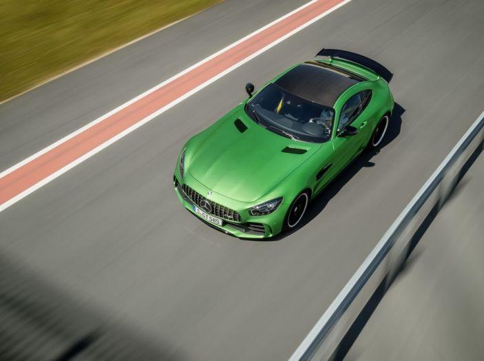 Nuova Mercedes AMG GT R: il V8 da 585CV e 700Nm - Foto 14 di 39