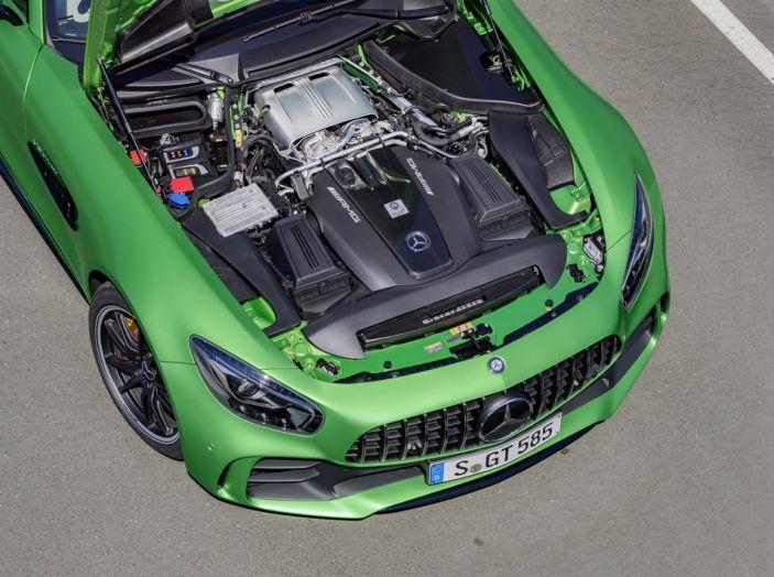 Nuova Mercedes AMG GT R: il V8 da 585CV e 700Nm - Foto 16 di 39