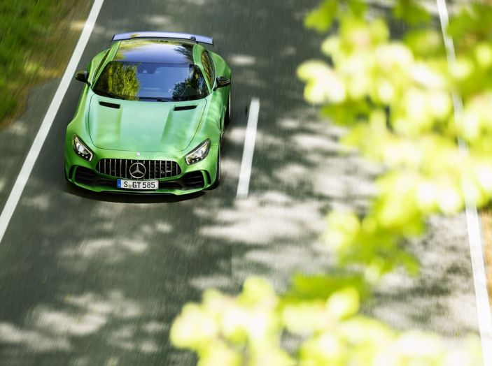 Nuova Mercedes AMG GT R: il V8 da 585CV e 700Nm - Foto 4 di 39
