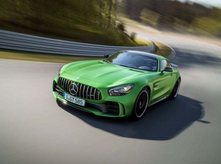 Nuova Mercedes AMG GT R: il V8 da 585CV e 700Nm