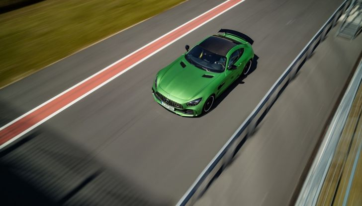 Nuova Mercedes AMG GT R: il V8 da 585CV e 700Nm - Foto 24 di 39