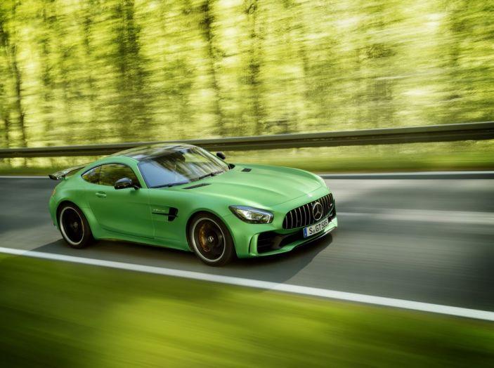 Nuova Mercedes AMG GT R: il V8 da 585CV e 700Nm - Foto 31 di 39