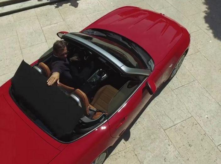Fiat 124 Spider, dall'alto.