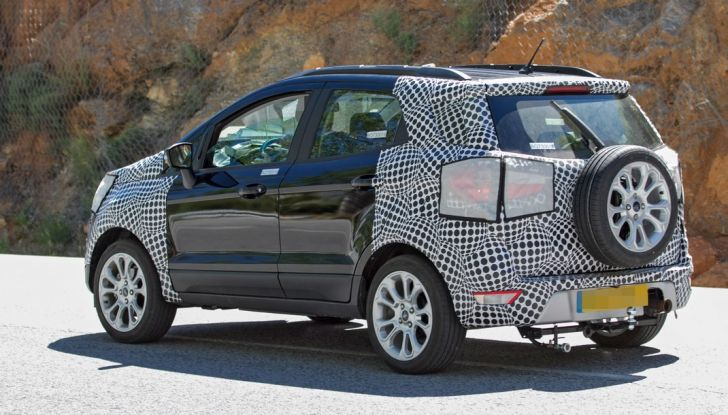 Ford EcoSport restyling, foto spia.
