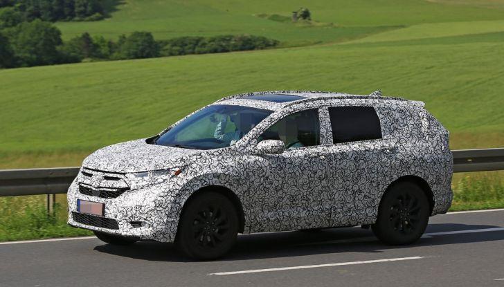 Foto spia del nuovo SUV CR-V Honda.