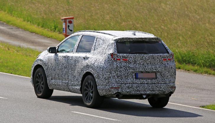 Nuova Honda CR-V foto spia, 3/4 posteriore laterale.