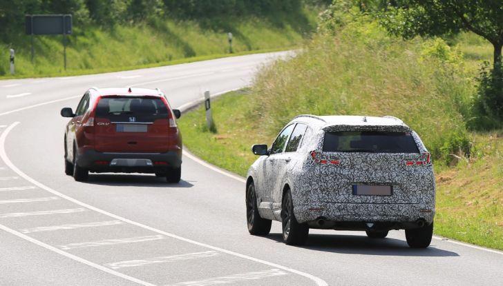 Nuova Honda CR-V foto spia.