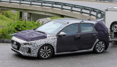 Hyundai i30: ecco le ultime foto spia della nuova generazione