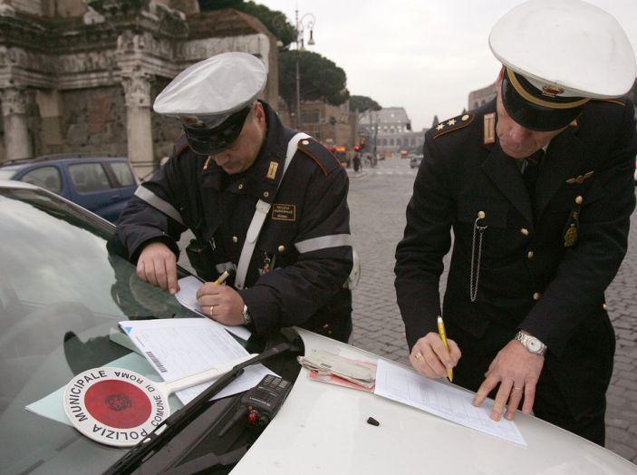 Codice della Strada: multe anche su strade private se aperte al traffico - Foto 3 di 8