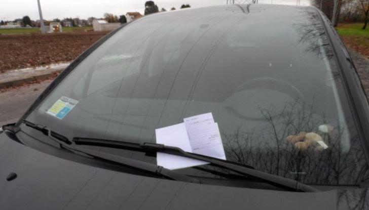 Nuovo codice della strada: smartphone e fumo in auto nel mirino - Foto 8 di 8