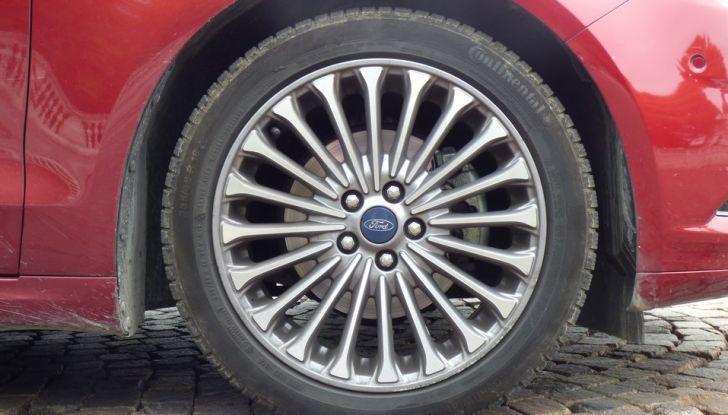 Nuova Ford Mondeo Titanium 2.0 TDCi 180 CV prova su strada e prezzi, cerchio.