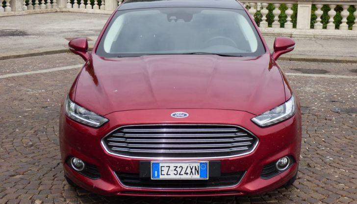 Nuova Ford Mondeo Titanium 2.0 TDCi 180 CV prova su strada e prezzi, frontale.