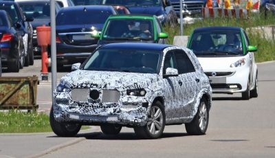 Nuova Mercedes GLE, le immagini dei primi test su strada