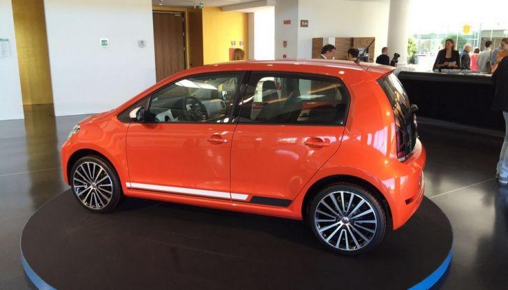 Nuova Volkswagen up! restyling, provata su strada la nuova citycar con un prezzo di 11.000 euro - Foto 5 di 16