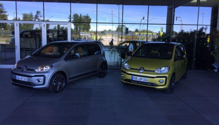 Nuova Volkswagen up! restyling, provata su strada la nuova citycar con un prezzo di 11.000 euro - Foto 7 di 16