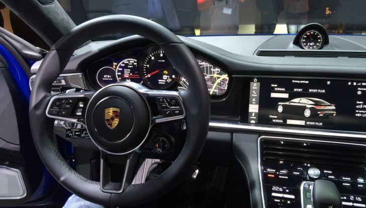 Nuova Porsche Panamera interni