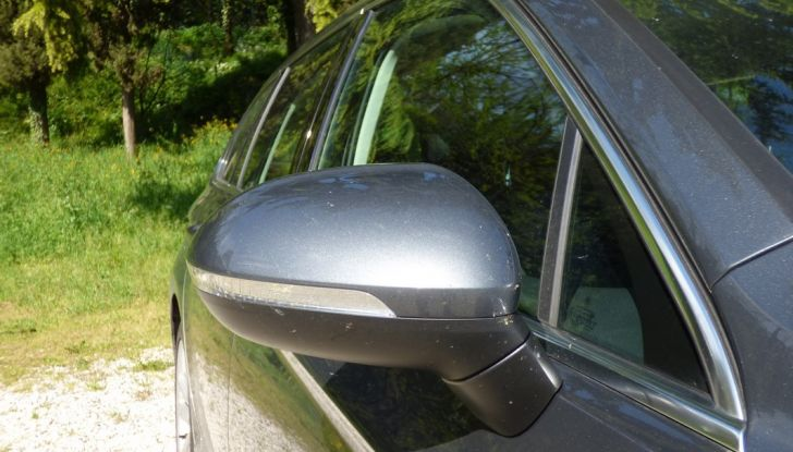 Volkswagen Passat Variant BiTdi da 240CV: la prova della wagon da corsa - Foto 22 di 29
